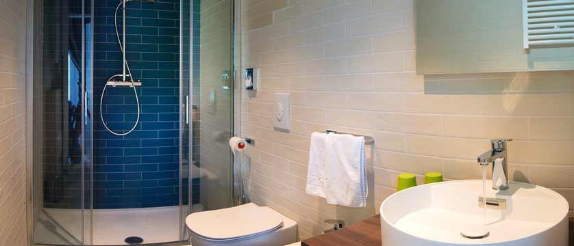 Hotel Giardinetto, Lake Orta, Italy - example of bathroom.jpg